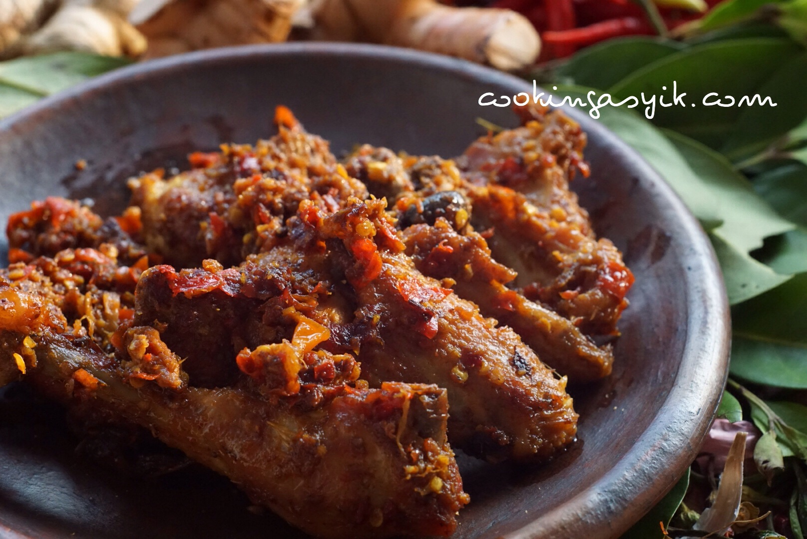 Ayam Goreng Pedas ala Madura, hati-hati ketagihan! - Cooking Asyik